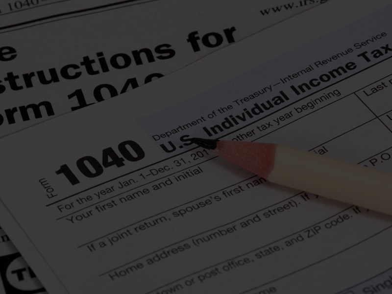 US-income-taxes-returns-filing-Form-1040